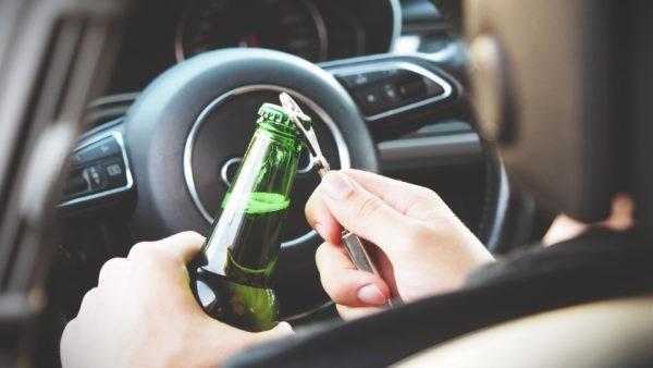 Zakaz prowadzenia pojazdów mechanicznych za jazdę po alkoholu Jazda po alkoholu 1 600x338